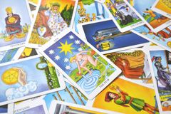 星占卜用的纸牌希望,幸福,机会,乐观,更新,灵性 向量例证