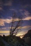 星和云彩在湖加尔达,特伦托自治省女低音阿迪杰 免版税库存照片