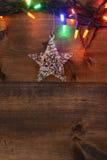 星和圣诞灯 免版税库存图片