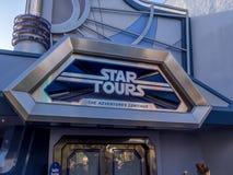 星在迪斯尼乐园的游览乘驾 库存照片