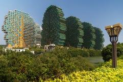 7星旅馆三亚` s秀丽冠在吉尼斯世界记录包括作为世界` s最大的旅馆 免版税图库摄影