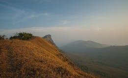 星期一jong山脉美丽的狮子头岩石  免版税库存照片