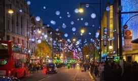 黑星期五周末在伦敦在圣诞节前的第一销售 摄政的街道 库存照片