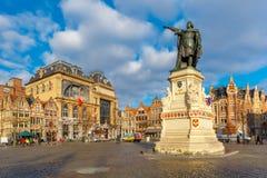 星期五市场在晴朗的早晨跟特,比利时 免版税图库摄影
