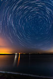 星足迹在湖边 免版税库存照片