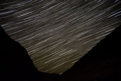 星跟踪天空山 图库摄影