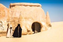 星际大战电影的集合在突尼斯沙漠仍然站立 免版税库存图片