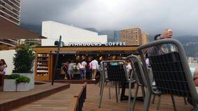 星巴克咖啡在摩纳哥- 4K录影 股票录像