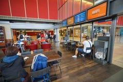 星巴克咖啡馆在奥利机场 免版税库存照片