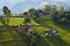春天农村风景,特兰西瓦尼亚,罗马尼亚 免版税库存照片