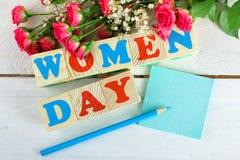春天在妇女的天题材的庆祝构成  库存照片