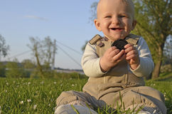 春天室外婴孩画象 库存照片