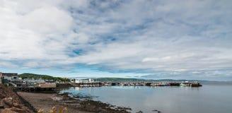 春天新斯科舍海岸线在6月 免版税库存图片
