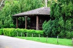 春天的木房子 图库摄影