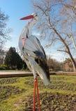 春天鹳雕塑,瓦尔纳,保加利亚 免版税库存照片