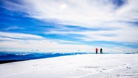 春天滑雪在太阳峰顶的世界顶部 免版税库存照片