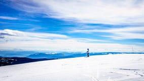春天滑雪在太阳峰顶的世界顶部 库存图片