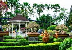 春武里市,泰国- 2016年3月18日:美丽的庭院装饰 免版税图库摄影