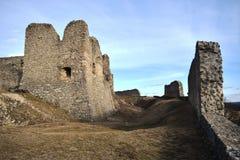 是一座相对地大城堡基于废墟大概根据在第13 centu后半城堡的废墟 免版税库存图片