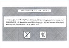 是十字架在意大利选票 免版税图库摄影
