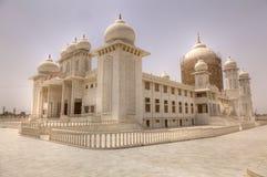 是印度jaygurudev被再磨光的寺庙 免版税库存图片