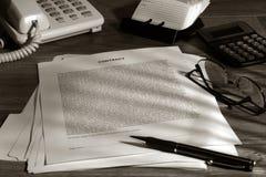 是合法的合同准备签字 免版税库存图片