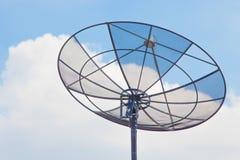 是壁角盘房子安装的卫星 库存照片
