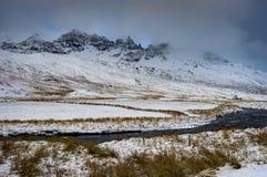 是完全地愉快的听到i,如果图象山感谢使用冬天会您的地方 圣诞节风景在一个晴朗的早晨 免版税图库摄影