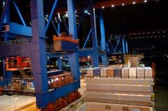 是容器被装载的船联合国 免版税库存照片