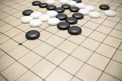 是比赛或Weiqi中国棋 图库摄影