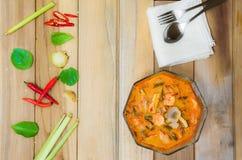 是泰国` s汤姆goong辣和酸口味的食物 库存照片