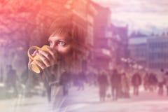 是的美丽构成的被更改的咖啡喝有图象围住妇女的我的照片投资组合 免版税图库摄影