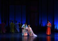 是被冤屈的公主幻灭现代戏曲女皇在宫殿 免版税库存照片