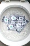 是被冲洗的票据美元 库存照片