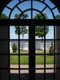 是Peterhof的中心 图库摄影