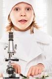 显微镜男孩 库存图片