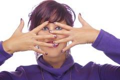 显示丙烯酸酯的指甲盖的时装模特儿 库存照片
