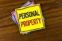 显示个人财产的文字笔记 书面的企业照片陈列的财产财产财产私人个体所有者 免版税库存图片