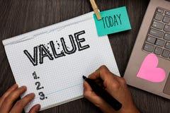 显示价值的文本标志 概念性照片或某人被认为高度重大可贵的任命每日图表某事pap 图库摄影