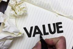 显示价值的概念性手文字 企业被认为高度重大可贵的Pape照片陈列某事的或某人 图库摄影