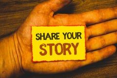 显示份额您的故事的概念性手文字 企业照片陈列的经验讲故事乡情想法记忆Pers 库存图片