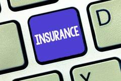 显示保险的概念性手文字 保证的企业照片陈列的安排公司或状态为指定的损失 库存图片