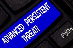 显示先进的持续威胁的文本标志 概念性照片未被授权的用户对系统键盘键能够存取 免版税库存照片