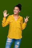显示八个手指的妇女 免版税图库摄影