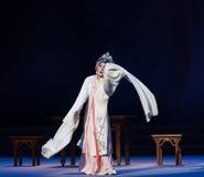 """显示原始的形状这第三次行动男性黄色酒Kunqu Opera""""Madame白色Snake† 免版税库存照片"""