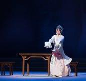 """显示原始的形状这第三次行动男性黄色酒Kunqu Opera""""Madame白色Snake† 免版税图库摄影"""