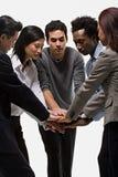 显示团结的五个办公室工作者 免版税库存图片