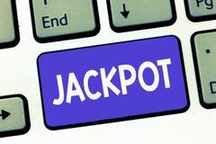 显示困境的文字笔记 陈列在比赛抽奖大奖赌博的企业照片大现金奖相关 免版税图库摄影