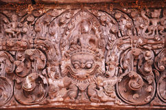 显示在鹰报的楣石Vishnu,在圣所的东北墙壁上 免版税库存照片