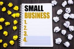 显示小企业的概念性手文字文本说明 Family的Owned在笔记薄写的Company企业概念注意没有 免版税库存图片
